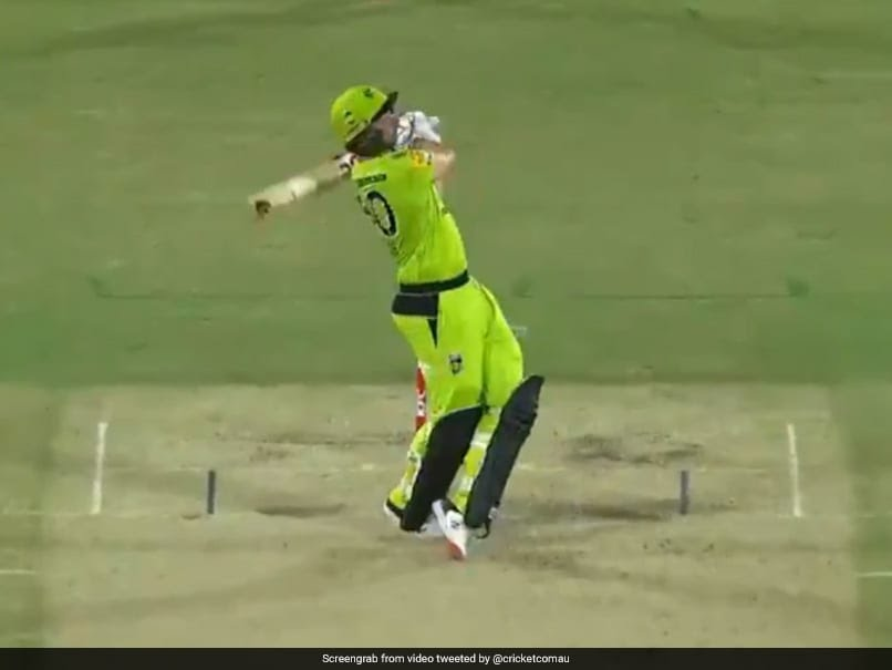 BBL 2020: Daniel Sams Smashes Four Sixes In An Over To Help Sydney Thunder Seal Remarkable Comeback. Watch